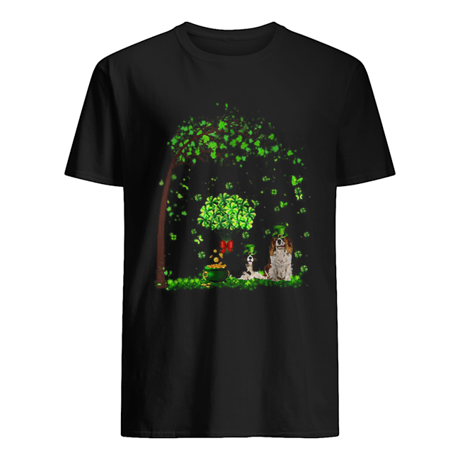 Leprechaun Cavalier King Charles Spaniel Tree Patrick's Day  Classic Men's T-shirt