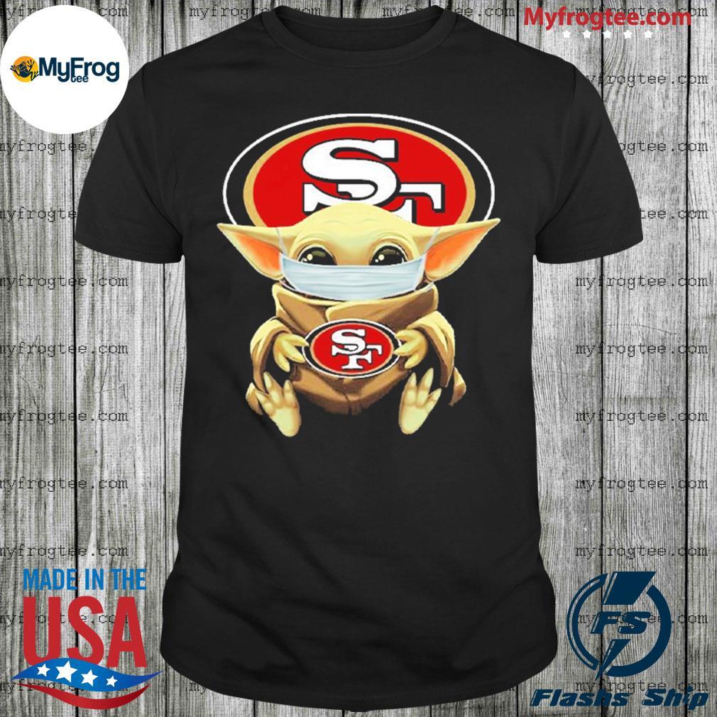 Baby yoda face mask hug San Francisco 49ers shirt